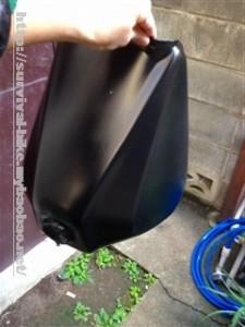 ガソリンタンクウレタンスプレー塗装